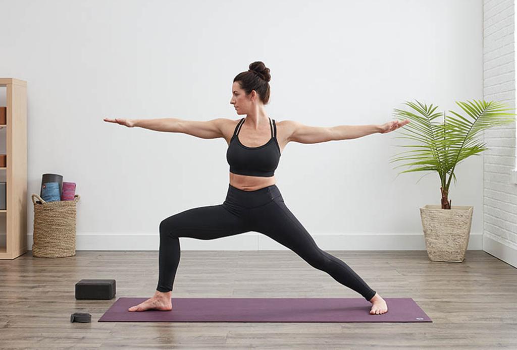 5 posturas de yoga para hacer detox y limpiar el cuerpo - posturas-yoga-detox-2