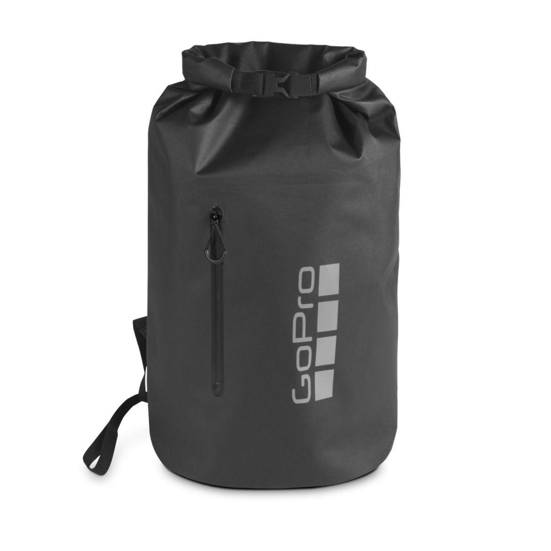 ¿Disfrutas viajar y encontrar aventuras? Lifestyle Gear es la nueva línea de GoPro que tienes que probar - stormy-dry-bag-front-1480x1480