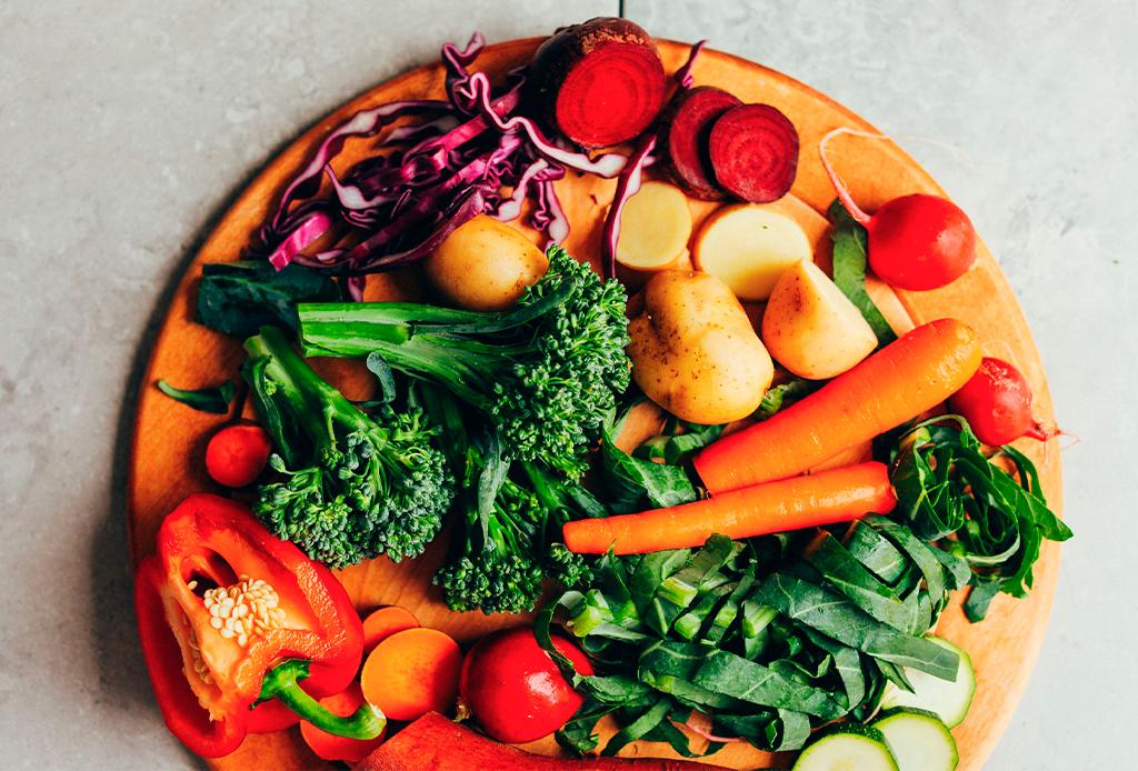 Prepara el mejor (y más saludable) Rainbow Bowl en 6 sencillos pasos - rainbow-bowl-2