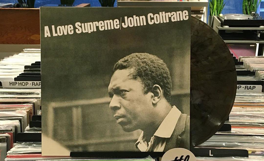 6 de los mejores vinyles que debes tener en tu colección ¡ya! - vinyl-a-love-supreme-coltrane