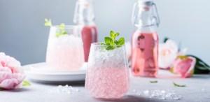 Bebidas rosas que no te puedes perder por el mes del cáncer de mama