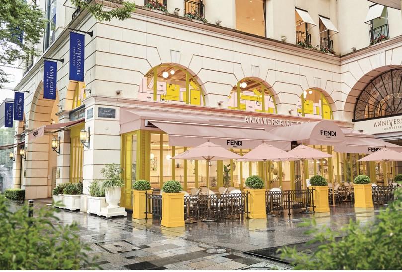 FENDI Café abre como uno de los más hermosos del mundo, ¡en Tokio! - 01_fendi-caffe-anniversaire_tokyo