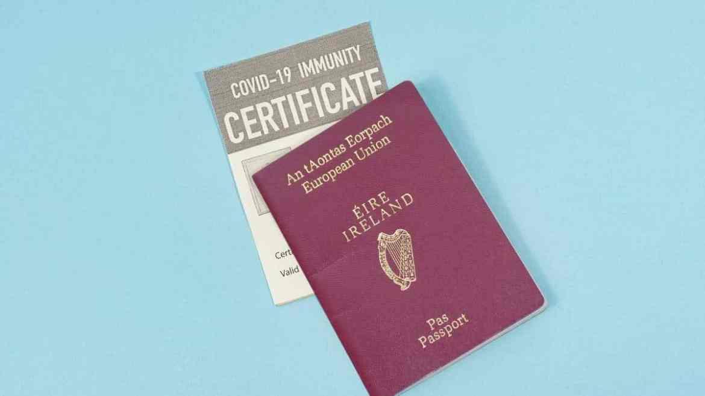 Así puede ser el pasaporte COVID para viajeros, ¡toma nota! - immunity-passports