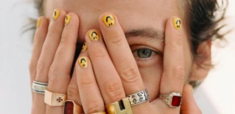 ¿Diseños de uñas para hombre? Conoce la nueva tendencia - sabrina-12