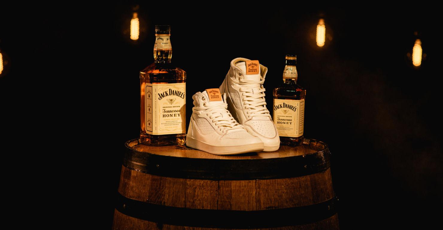 Conoce los exclusivos sneakers de Jack Daniel's y The Shoe Surgeon. ¡Sólo habrá seis pares en México!