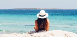 ¿Qué llevar en la maleta de verano? ¡Te decimos los indispensables!