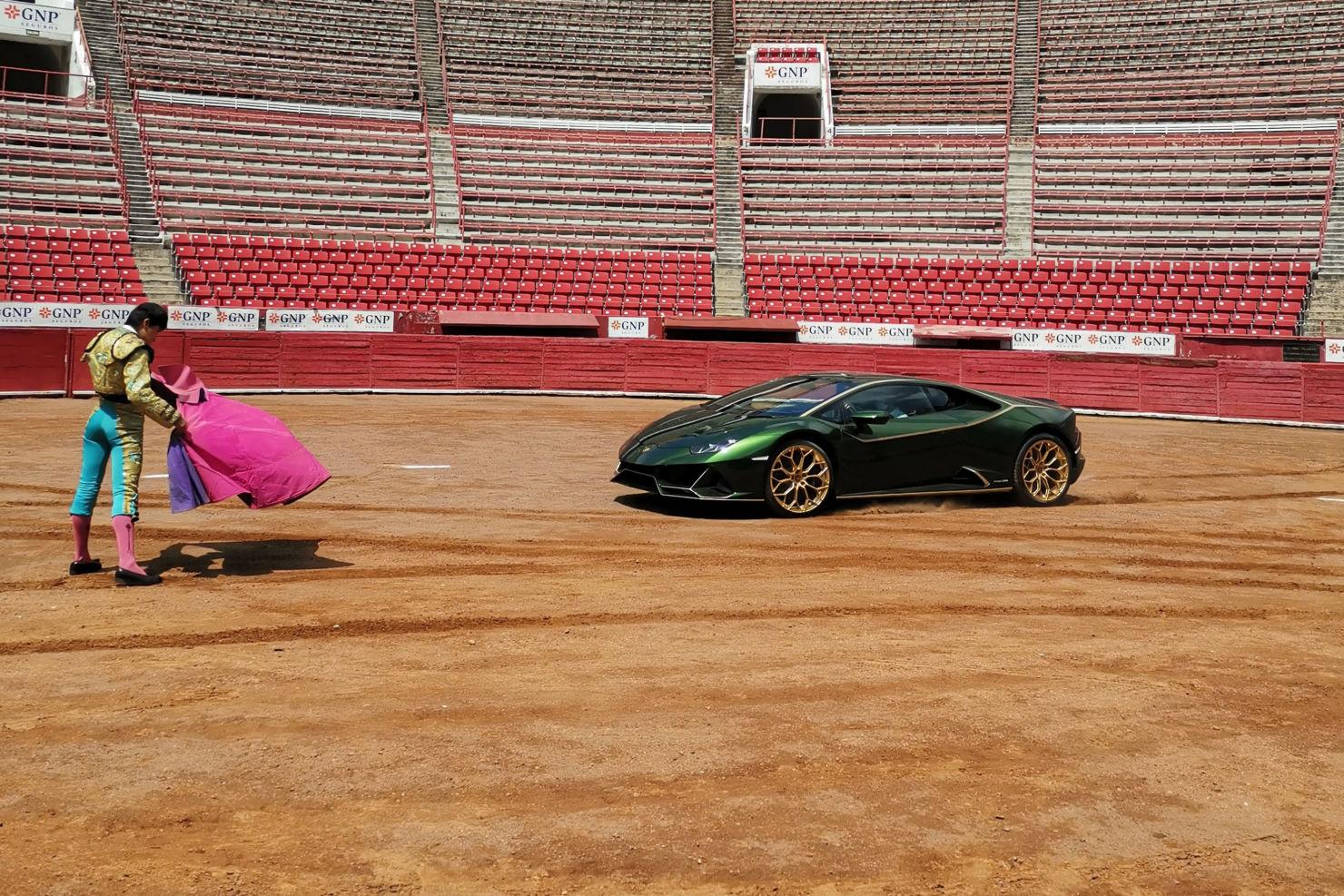 Lamborghini celebra 10 años en México con una muestra de su esencia