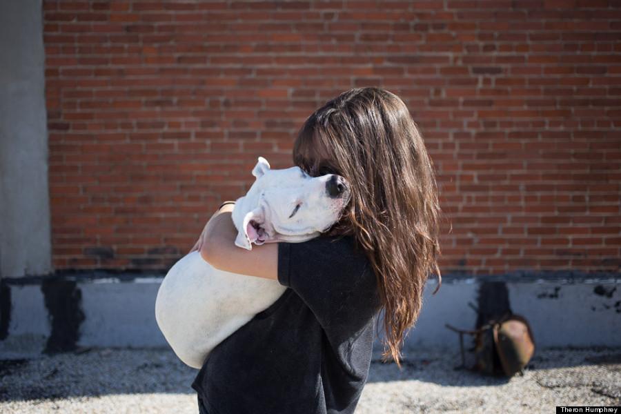 5 cosas que puedes hacer todos los días para hacer a tu perro el más feliz - perro-abrazo