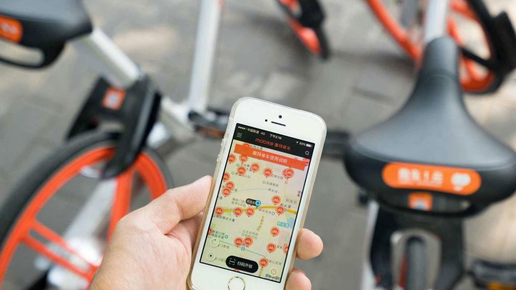 Tips de seguridad que debes tomar en cuenta si manejas una bici - mobike-bicicleta-naranja-cdmx-edited