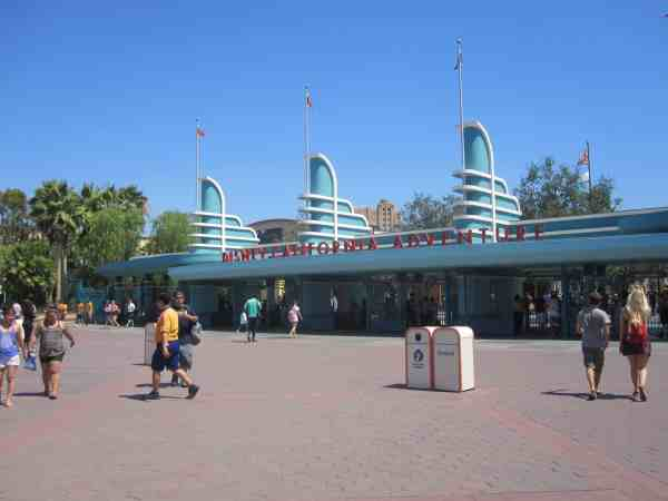Disney California Adventure gates; how to tell Disneyland and Walt Disney World Apart.