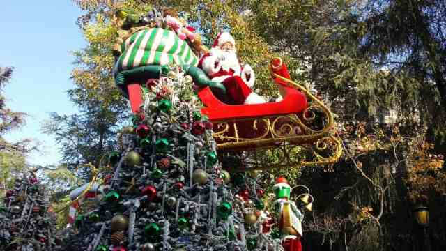 Disneyland Parades, The Happiest Blog on Earth.