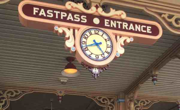 Toy Story Midway Mania FASTPASS entrance