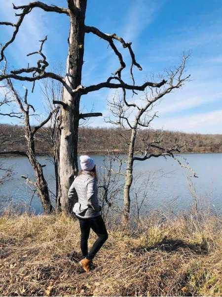 hiking-around-lake-bixhoma-near-tulsa