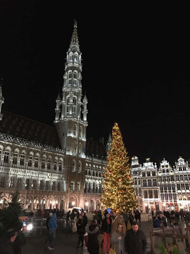 Grand Place by night & in kerstsferen