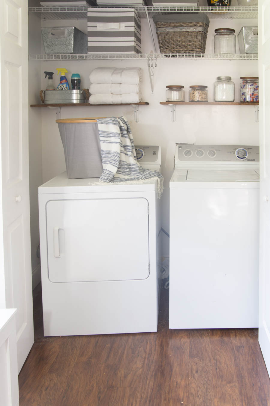 It's time for a laundry room redo! Beautifully Organized Small Laundry Rooms - The Happy Housie