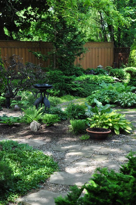 Stunning Shade Gardens | The Happy Housie on Shady Yard Ideas  id=32978