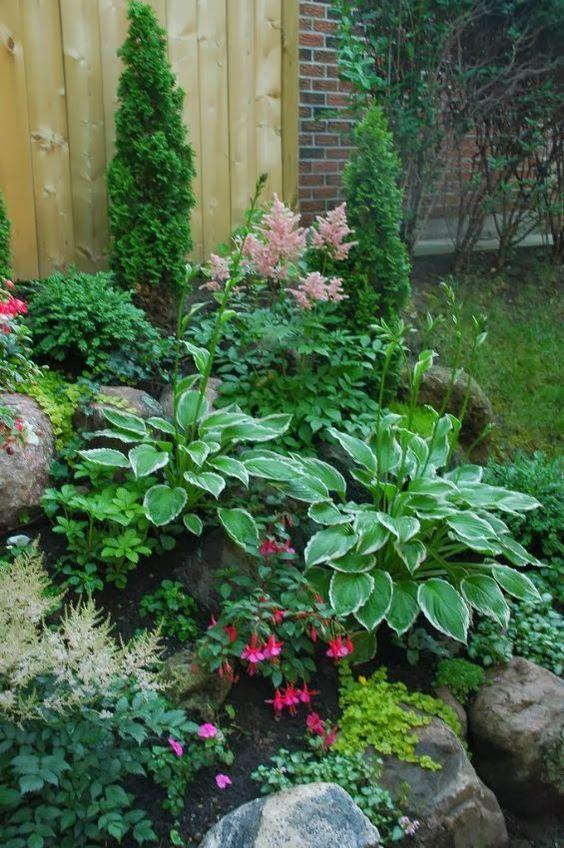Stunning Shade Gardens | The Happy Housie on Shady Yard Ideas  id=43211