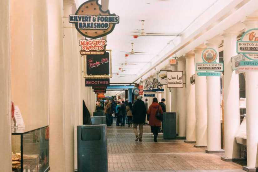 Imbissstände im Quincy Market, Boston