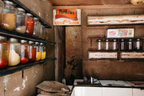 Gewürzhändler in Mumbai, Indien