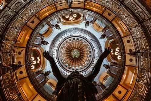 Springfield Illinois State Capitol Kuppel Statue