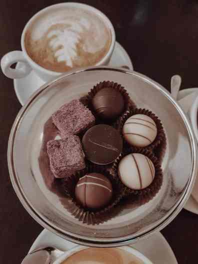Breslau Sehenswürdigkeiten Pralinen und Café in Kaffeehaus in Breslau