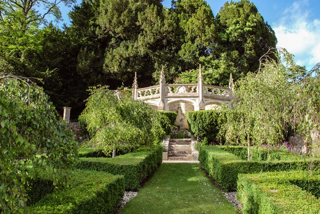 Cotswolds - The Manor House hotel Italian Garden