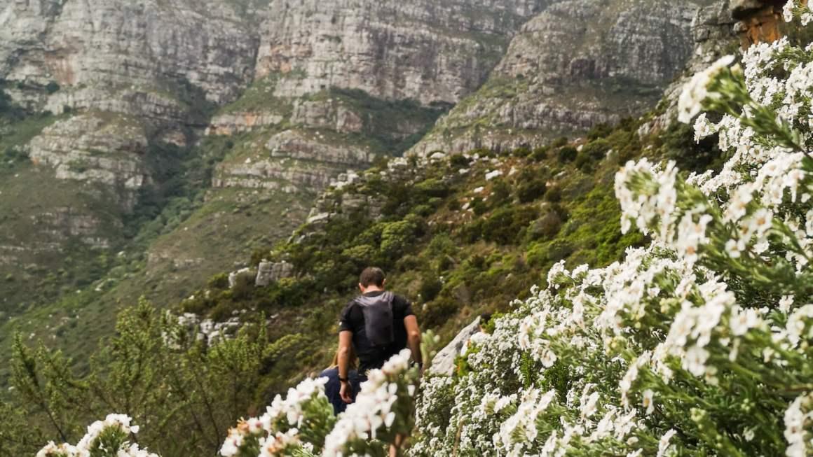 Diagonal Cave Hike