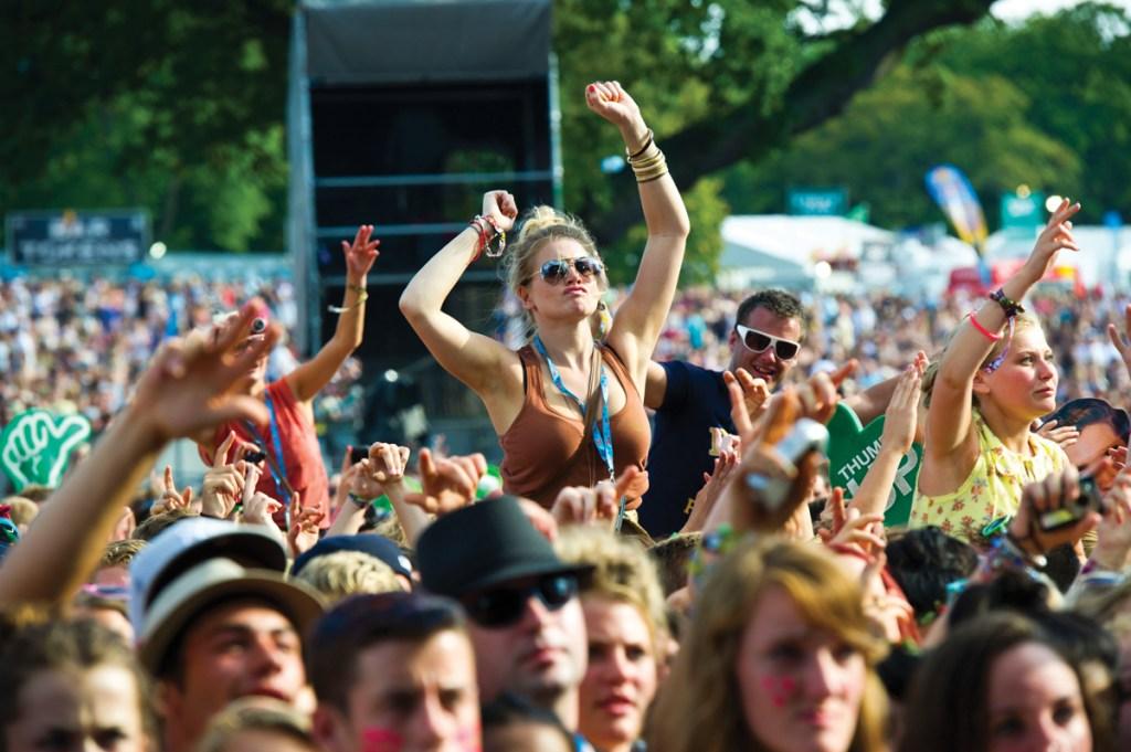 V-Festival-crowd
