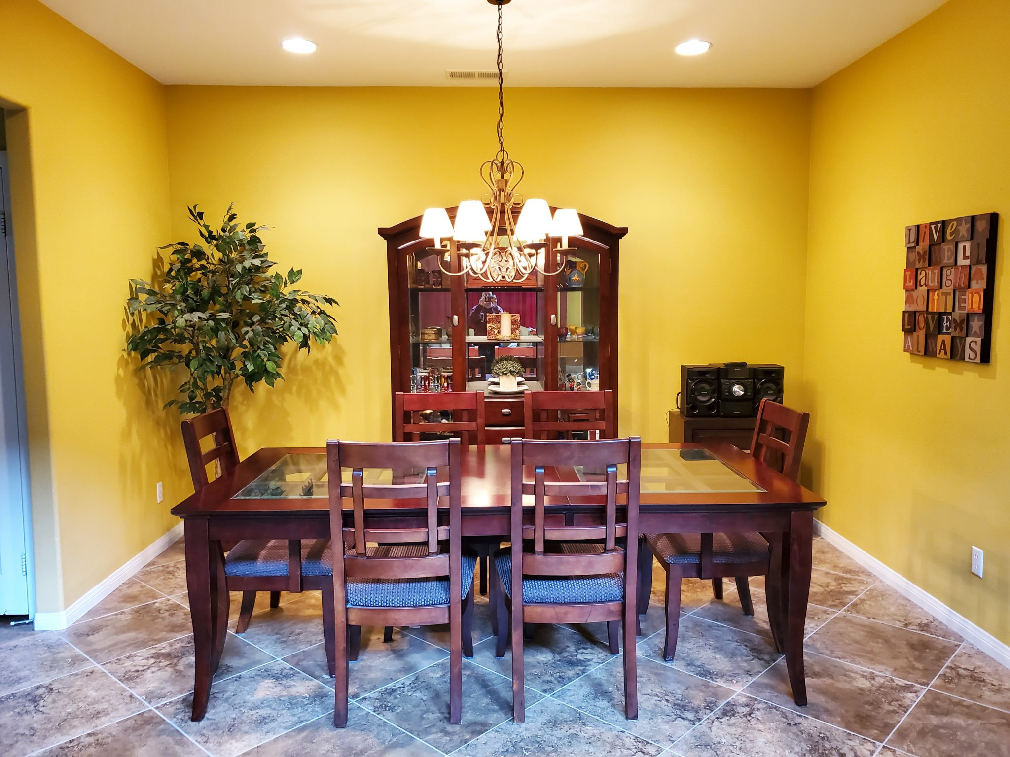 124 Boston Ave., Beaumont, Ca. 92223 Dining Room