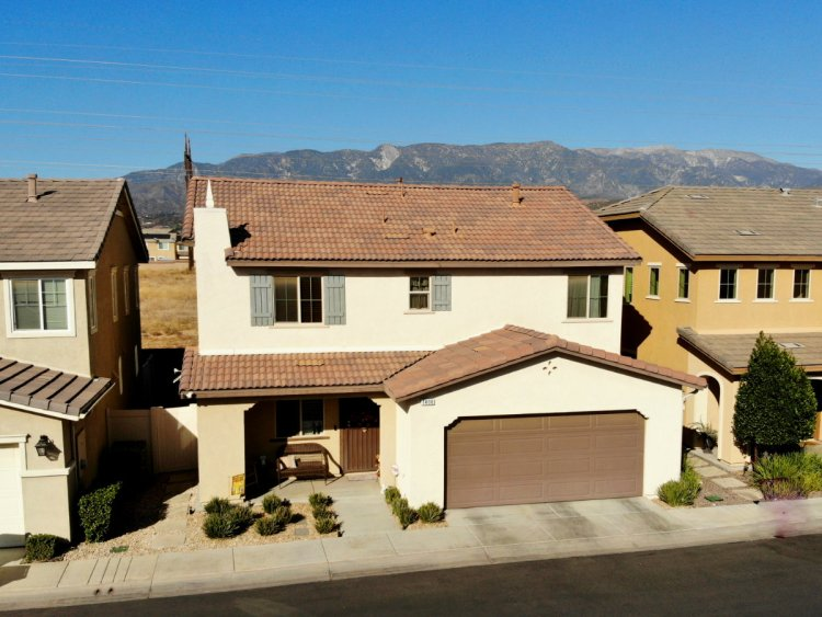 1406 Chinaberry Ln Beaumont Ca 92223
