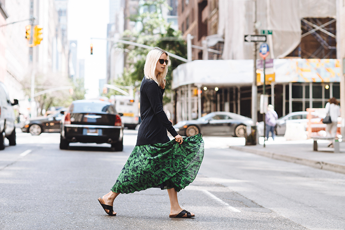 the-fashion-guitar-pleated-skirt