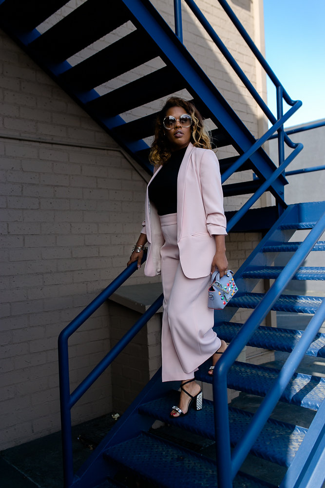Hautemommie in pink culottes with matching blazer from Zara