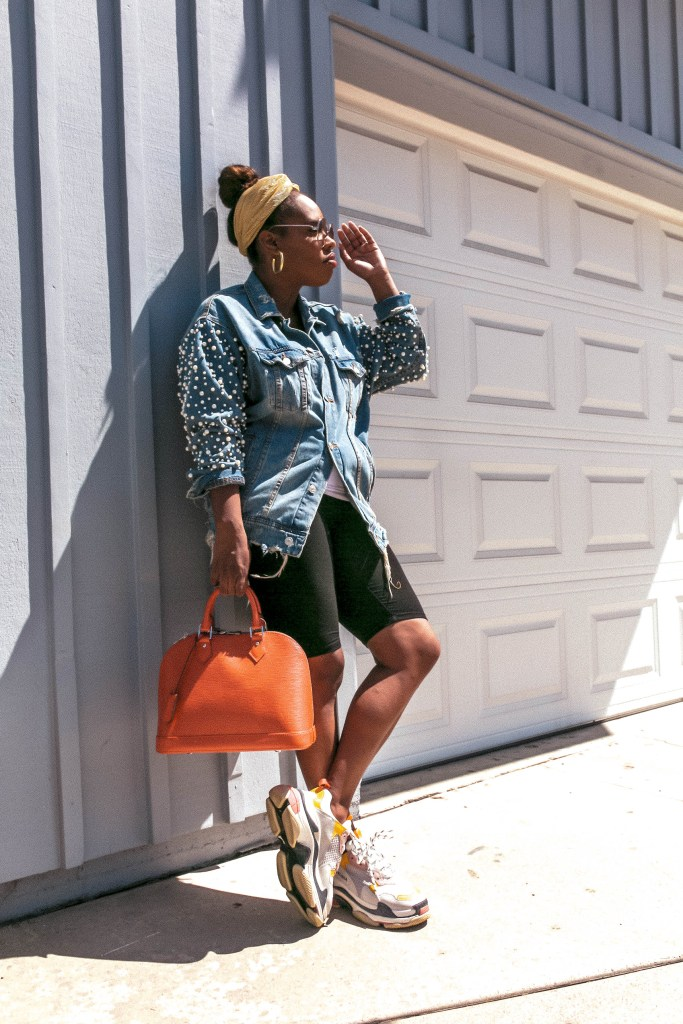 Wondering how to style the granddad sneaker trend, let Hautemommie show you how.