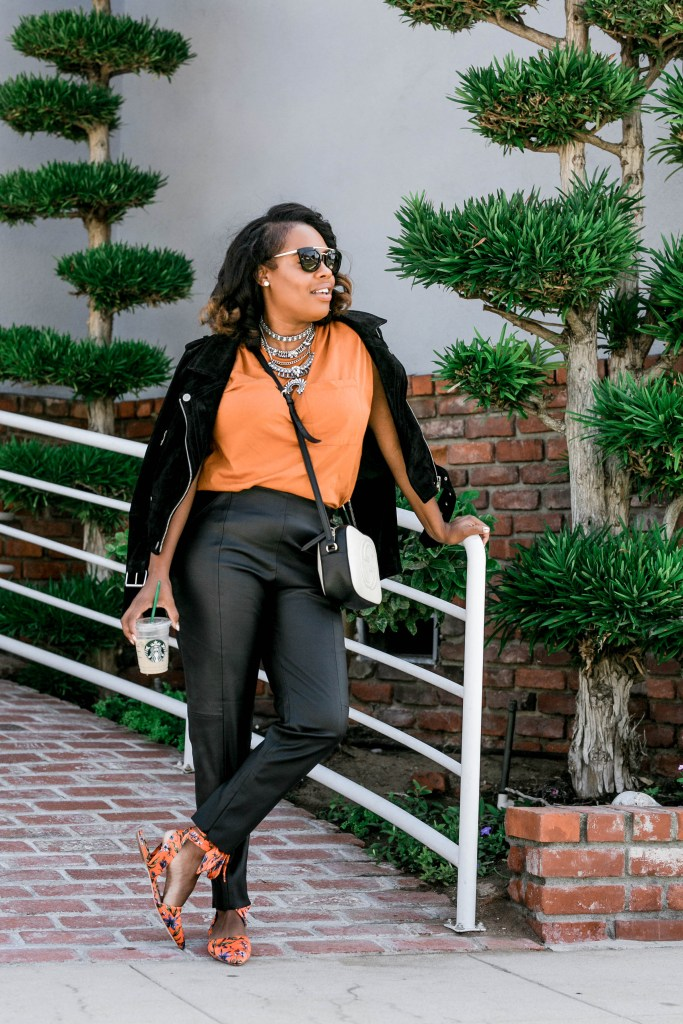 Leslie of The Hautemommie teaches a few simple ways to bring Fall into your wardrobe.