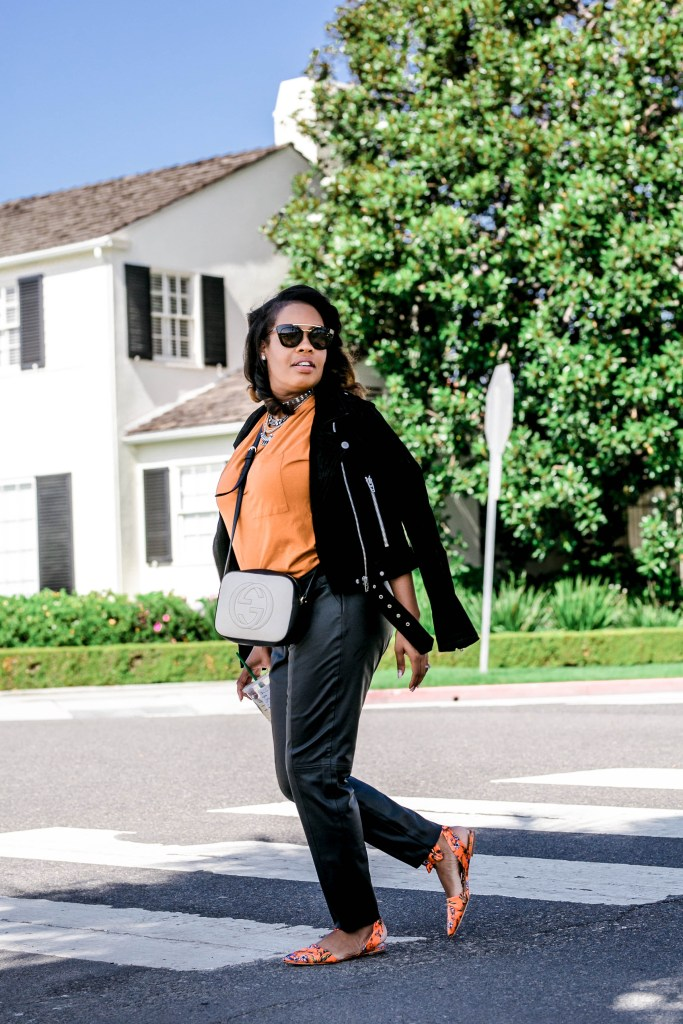 Fall is here and Leslie of The Hautemommie is back to show you how to do it right.