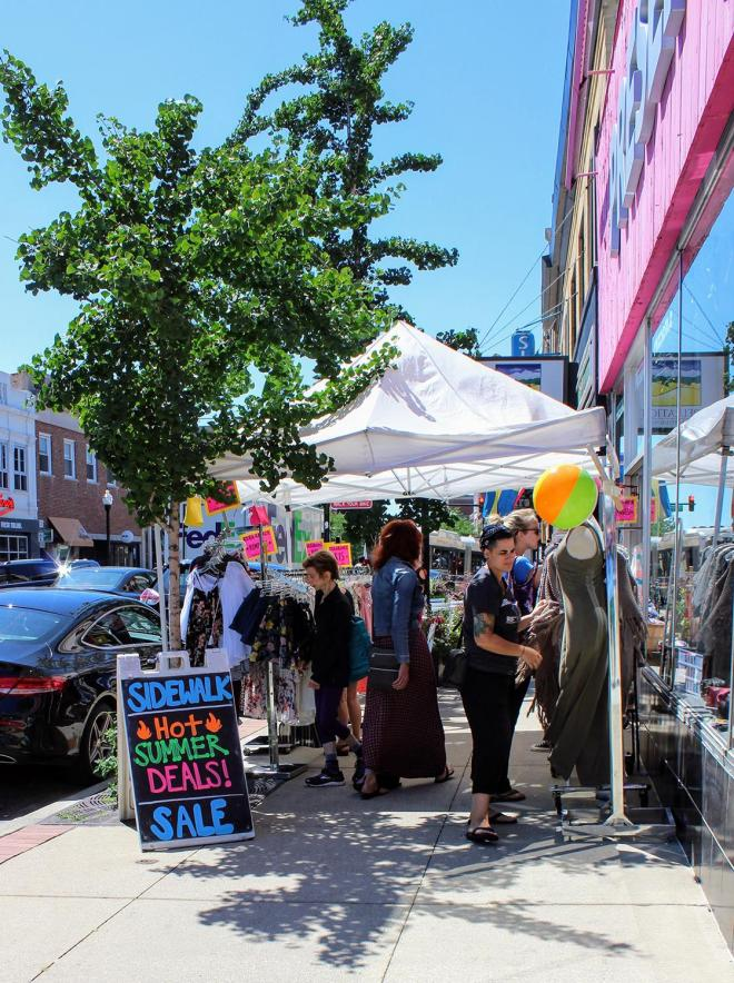 Andersonville-Sidewalk-Sale-2018-Weekend-Seekers-Guide-July-wk4.jpg