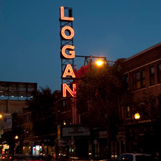 Logan Theater-chicago-date ideas-the haute seeker
