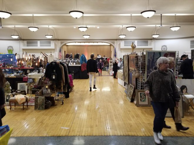 Randolph Street Market Chicago Fall activities by The Haute Seeker