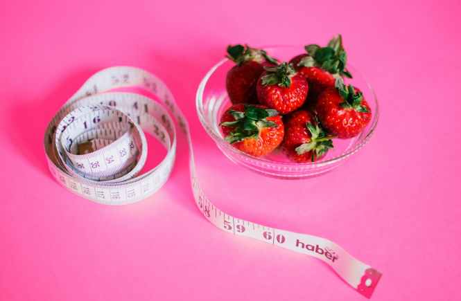 11 EASY WAYS TO LOSE WEIGHT WITHOUT DIETING