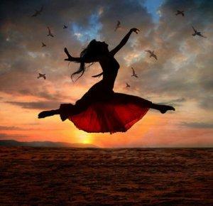 Be Free -Rebecca Bell MassoudDARE TO SHINE! Free Presentation for Women Entrepreneurs12985612_10154022334854019_1228357111976261317_n