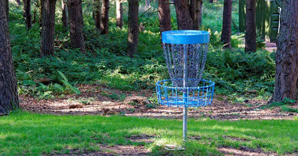 How to Play Frisbee Golf (Disc Golf)