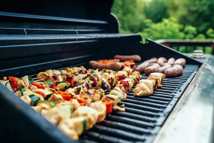 Most BBQ main dishes like burgers are keto-friendly