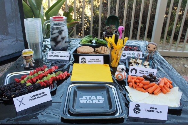 Simple Star Wars Party Ideas That You Can Put Together in 30 Minutes