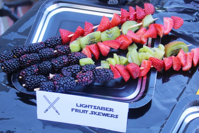 Lightsaber Fruit Skewers! Along with other Healthy and Simple Star Wars Party Ideas