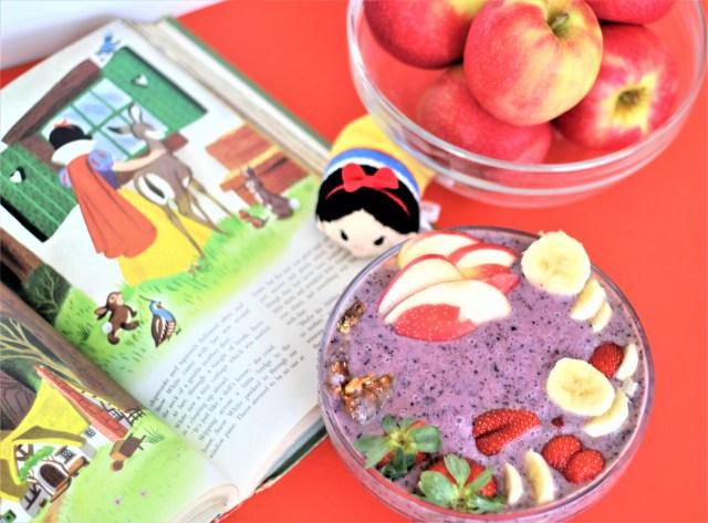 Snow White Smoothie Bowl - Vegan and Gluten Free! * Vegan Smoothie Bowl - All-Natural Smoothie Bowl - Disney Food - Disney princess food - Snow White food - Disney Food - Healthy Disney Food