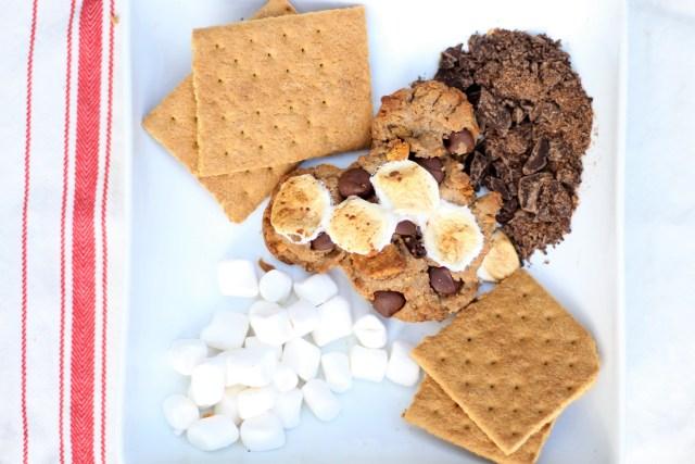 Healthy Mickey-Shaped S'more Cookies - Healthy cookies - all-natural cookies - Smore Cookies - Graham Cracker cookies - Mickey Cookies -Disney Food
