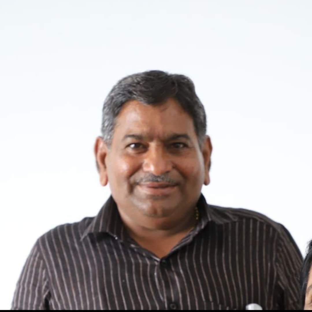 Hardik Patel father died