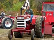 img_2154-haverhill-crescent-farm-tractor-pull-2016-edits-3-women