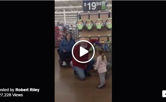 Little Girl Mistakes Walmart Shopper For Santa And Then This Happens