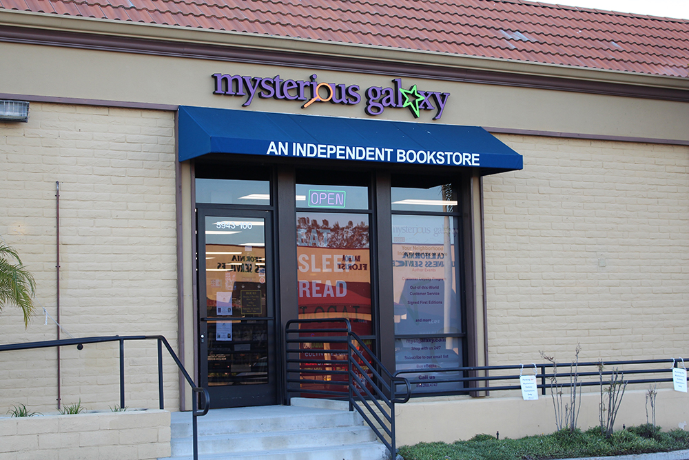 mysterious galaxy bookstore - theheartofabookblogger